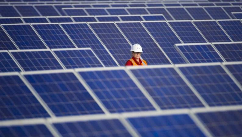 Las plantas fotovoltaicas tienen cada vez una vida más larga y menos costes operativos